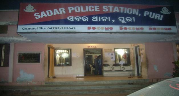 Khabar Odisha:Crime-Odisha-Police-bust-bike-lifters-gang-arrest-8-looters