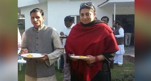 Khabar Odisha:Crime-UP-Former-village-head-Amethi-of-Baraulia-village-Amethi-Surendra-Singh-shot-dead