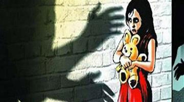 Khabar Odisha:Delhi-2-year-old-child-kidnapped-raped-left-near-railway-tracks