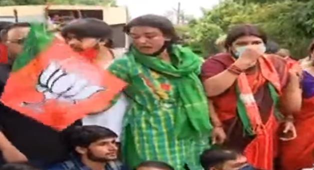 Khabar Odisha:Demonstration-in-front-of-BJPs-BMC-office-over-Jyoti-Prakash-floating-in-drain
