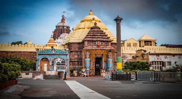 Khabar Odisha:Devotees-Waited-For-Srimandir-Committee-Decision-regarding-temple-open-in-Saturday--Sunday