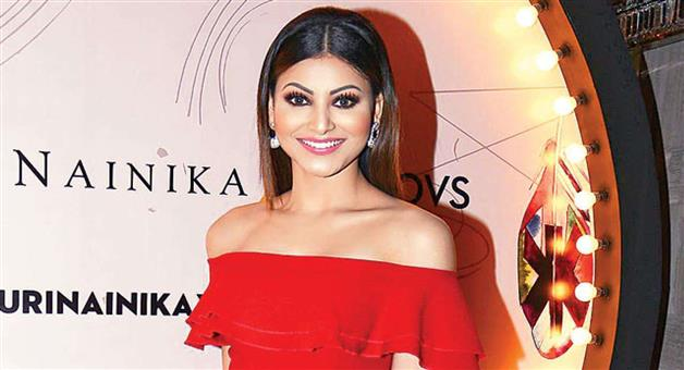 Khabar Odisha:Entertainment-Urvashi-Rautela-donated-five-crores-rupees-through-tiktok-app-for-fight-against-corona-virus-pandemic