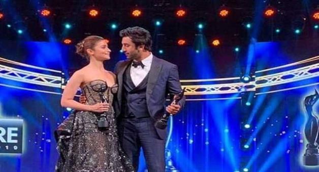Khabar Odisha:Entertainment-award-Filmfare-Award-2019-Ranvir-and-Alia-win-Best-actor-and-actress-award