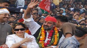 Khabar Odisha:Entertainment-bollywood-politics-odisha-Ajay-devgn-new-project-chanakya-close-neeraj-pandey-did-not-found-any-other-cast
