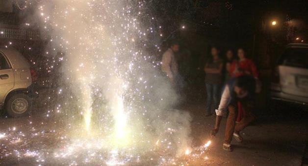 Khabar Odisha:Even-after-ban-Delhi-NCR-fired-50-lakh-kilogram-of-firecrackers