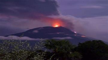 Khabar Odisha:Explosion-in-Indonesias-Levetalo-volcano