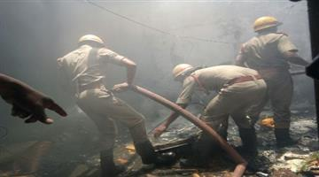 Khabar Odisha:Fire-mishap-at-capital-police-station-barrack-one-injured-five-controlled
