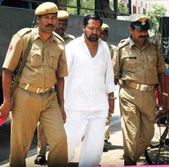Khabar Odisha:Gangster-Hyder-Alli-escaped-from-SCB-Medical-Cuttack-trembles-in-fear-Cuttack-border-sealed