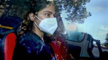 Khabar Odisha:Great-shock-to-Rhea-Chakraborty-judicial-custody-extended-until-6-October