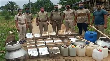 Khabar Odisha:Huge-Amount-Of-Local-Liquor-Seized-in-Baleswar