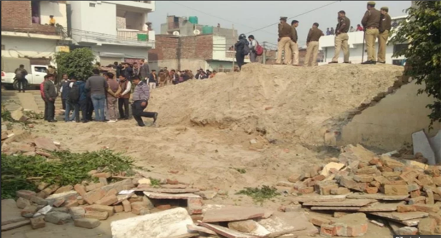 Khabar Odisha:In-Noida-Private-School-Wall-Collapsed-2-Students-Died-And-All-Updates