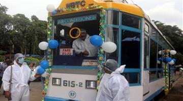 Khabar Odisha:Indias-First-Tram-library-in-Kolkata