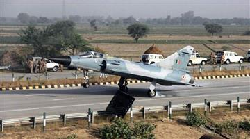 Khabar Odisha:India-is-building-a-special-airstrip-in-Kashmir-for-an-emergency-landing-of-warplanes