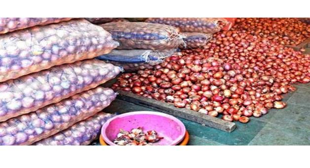 Khabar Odisha:International-Bangladesh-importing-onions-by-air-price-soared-to-record-highs