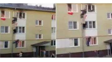 Khabar Odisha:International-Russia-rescue-of-three-children-from-a-burning-apartment-in-Kostroma