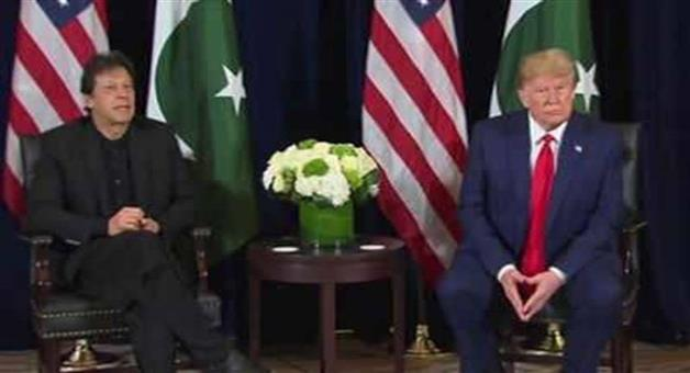 Khabar Odisha:International-US-president-Donald-Trump-and-Pakistnan-PM-Imran-Khan-meets-in-Davos-discuss-Kashmir-also