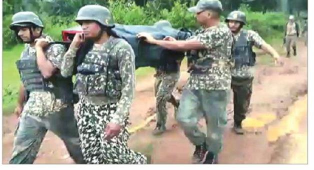 Khabar Odisha:Jawan-saves-two-life-in-malkangiri-border