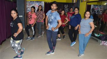 Khabar Odisha:Known-How-to-career-in-Zumba-Training