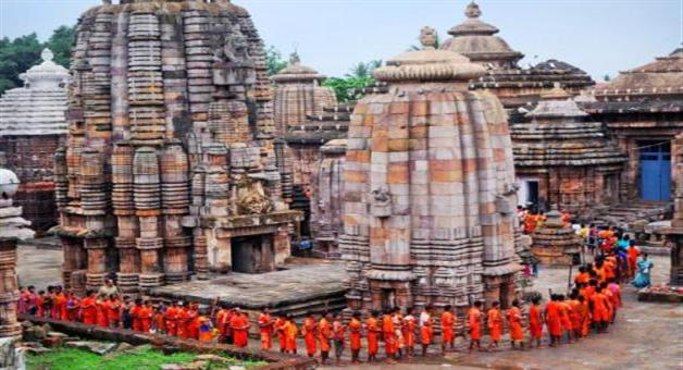 Khabar Odisha:Lingaraj-temple-preparation-of-coming-shraban