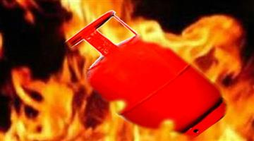 Khabar Odisha:Mother-son-and-daughter-died-due-to-lpg-cylinder-blast