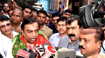 Khabar Odisha:Mukesh-Ambani-came-to-Srimandir-Puri-Odisha-Today
