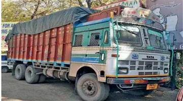 Khabar Odisha:Nation-Delhi-Truck-driver-and-owners-pay-Rs-48ooo-crore-per-year-in-bribes