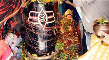 Khabar Odisha:Nation-Did-you-know-bhang-is-served-as-prasad-in-Varanasi-on-Maha-Shivratri