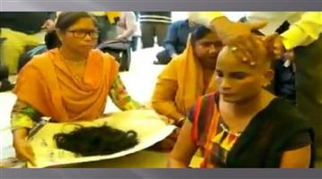 Khabar Odisha:Nation-Female-guest-scholar-shaved-head-will-send-hair-to-Congress-MP-Rahul-Gandhi
