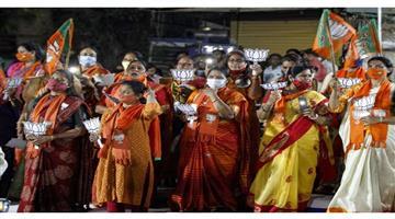 Khabar Odisha:Nation-Gujarat-local-body-election-BJP-gets-land-slide-victory-congress-MLA-Niranjan-Patel-and-kin-of-7-legislators