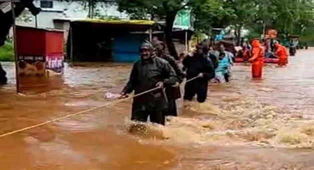 Khabar Odisha:Nation-Heavy-rain-create-panic-situation-in-Maharastra-129-dead
