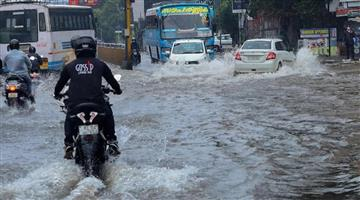 Khabar Odisha:Nation-Heavy-rains-disrupted-life-in-Kerala-red-alert-in-five-districts