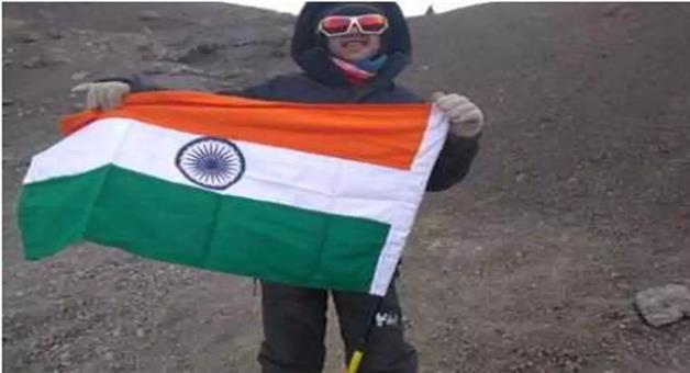 Khabar Odisha:Nation-Nine-year-old-boy-from-Pune-scales-Mount-Kilimanjaro-in-Tanjania
