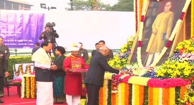 Khabar Odisha:Nation-President-Ram-Nath-Kovind-and-Vice-President-M-Venkaiah-Naidu-pay-tribute-to-Dr-BR-Ambedkar-on-his-death-anniversary