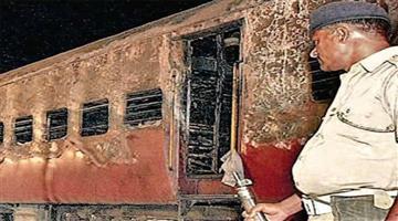Khabar Odisha:Nation-Sabarmati-express-train-burning-Godhra-station-59-Karsewak-killed--2002-February-27