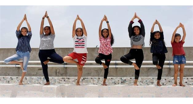 Khabar Odisha:Nation-Sports-Minister-Kiren-Rijiju-announces-launch-of-25-Fit-India-Yoga-centers-across-9-states