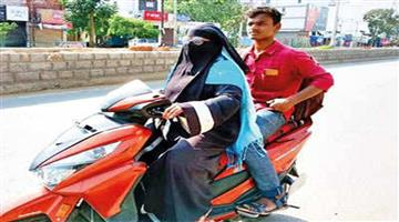 Khabar Odisha:Nation-Telangana-mother-rides-1400-km-on-scooty-to-get-son-home-amid-lockdown