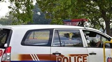 Khabar Odisha:Nation-Woman-gives-birth-to-a-baby-girl-in-police-van-amid-lockdown-due-to-coronavirus-covid-19
