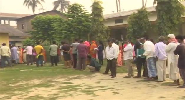 Khabar Odisha:Nation-election-West-Bengal-Fifth-phase-polling-for-Vidhan-Sabha-in-West-Bengal-begins