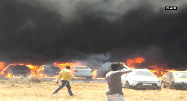Khabar Odisha:National-Odisha-80-and-more-cars-fire-in-air-show-time