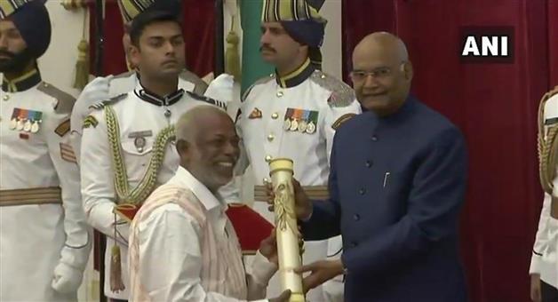 Khabar Odisha:National-Odisha-president-ram-nath-kovind-confers-padma-awards-in-rashtrapati-bhawan