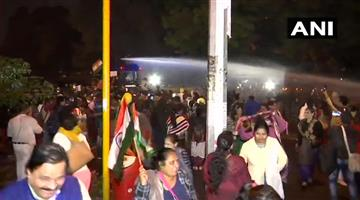 Khabar Odisha:National-news-Candle-March-From-Rajghat-To-India-Gate-Against-Unnao-Rape-Incidents