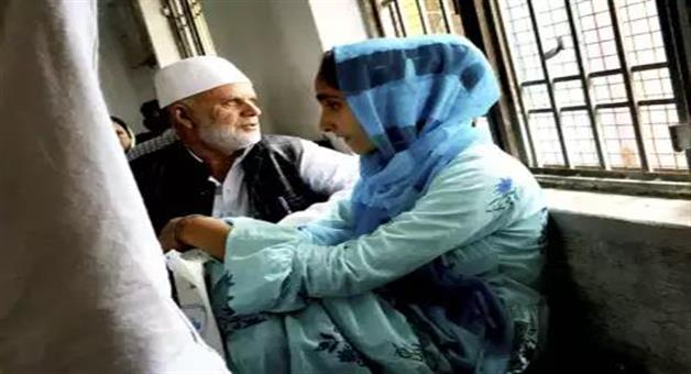 Khabar Odisha:National-news-Jammu-Kashmir-3100-Of-4000-Detained-Since-August-5-Released