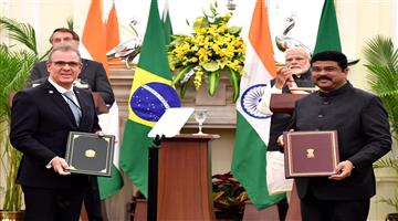 Khabar Odisha:National-news-Union-Minister-exchanged-MoU-with-Brazils-HE-Admiral-Bento