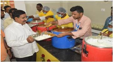 Khabar Odisha:National-news-shiv-bhojan-thali-from-26-january-at-just-rs-10-for-poor-maharashtra