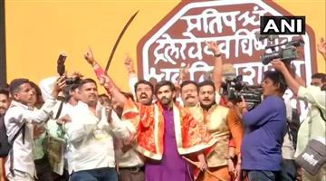 Khabar Odisha:National-politics-Raj-Thackeray-Maharashtra-Navnirman-Sena-Launches-Its-New-Party-Flag-Amit-Thackeray-Joins-Party