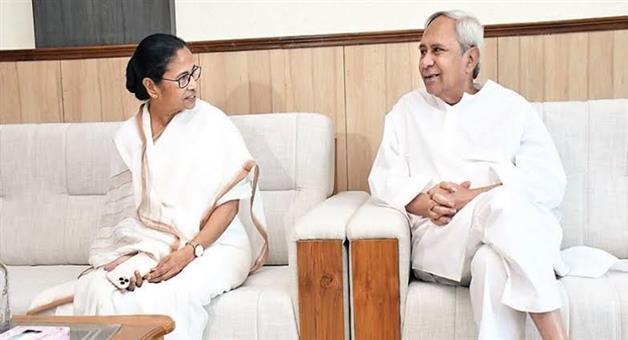 Khabar Odisha:Naveen-talk-with-mamata-banarji
