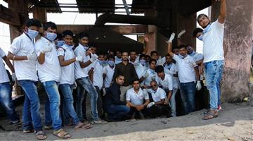 Khabar Odisha:Nua-Odisha-Nirman-conducts-cleaningness-drive-near-Gundicha-Mandir-at-puri