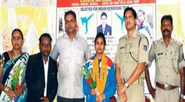 Khabar Odisha:Odia-girl-balisa-placed-in-world-cup-kick-boxing-held-at-Russia