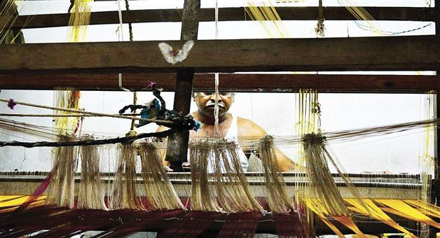 Khabar Odisha:Odisha-Assembly--Silk-and-loom-Report