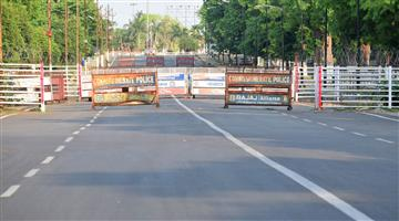Khabar Odisha:Odisha-West-Bengal-border-seal-Balasore-district-administration-blocked-traffic